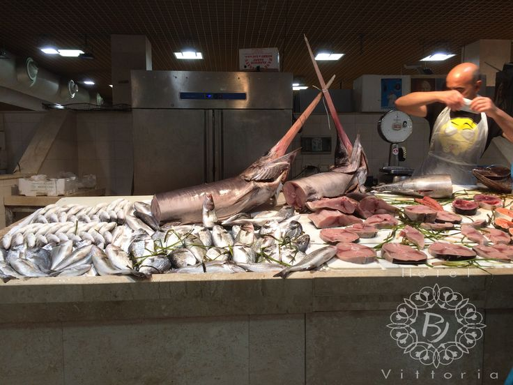 http://www.hotelbjvittoria.it #mercato #fisch #sea #italy #cucinaitaliana #Cagliari #Sardegna #love #dieta #mare #cibo #mercato #pesce #mare #