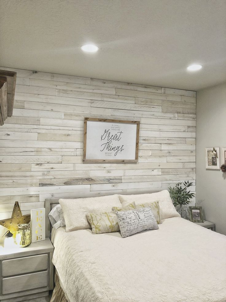 Traditional Farmhouse Style Feature wall bedroom