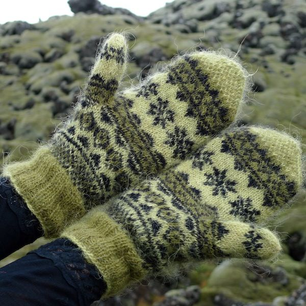 Mosi mittens: traditional Icelandic stranded mittens with Icelandic Gryla plied yarn (6)
