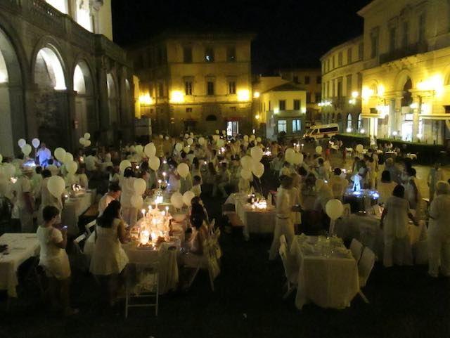 """Simone Rugiati, chef e giudice in Piazza della Repubblica per """"BiancoDiVino"""""""