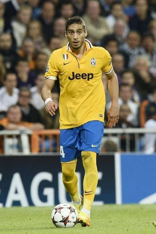 Martin Caceres Real-Juve UCL