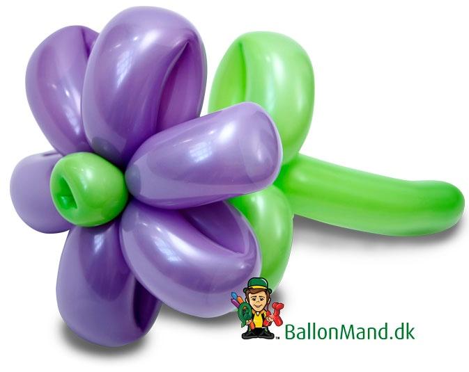 En af vores standard figurer - Blomsten.  Den bringer altid lykke til børne fødselsdage.