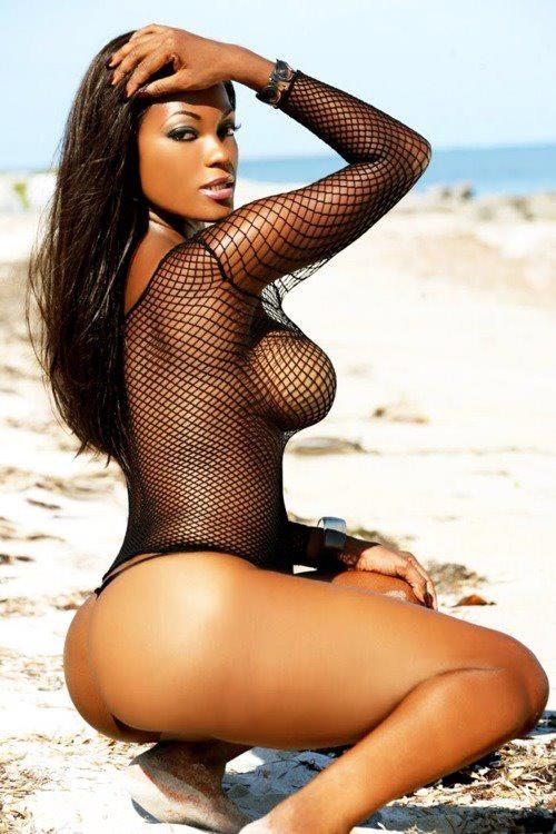 beautiful full figure naked women