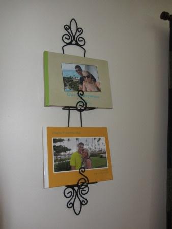 plate hanger photo album display