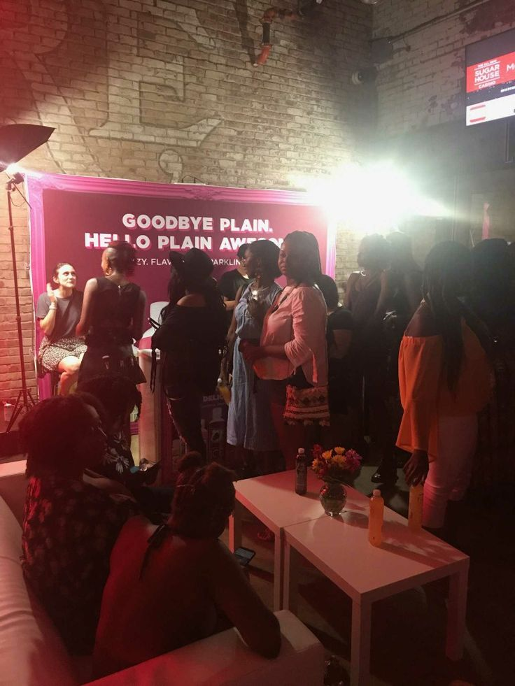The MakeupKween Popup Beauty Bar was the perfect addition to the Jidenna concert after party at The Filmore a few weeks ago! Free Lashes all night loong, it got crazy!! #makeup #beautyblogger #celebritymua #makeuplover #beautyguru #youtube #beauty #philly #nyc #nyfw #mua #love #makeupblogger #lashes #makeupbyme #sparklingice #benotbland #filmore #jidenna @sparklingice  @jidenna