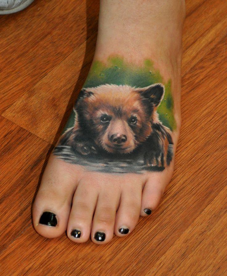 Joli tatoo ourson sur le pied