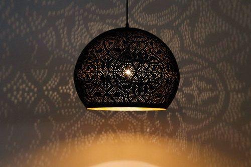 Hanglamp bol filigrain-stijl XL metaal mat zwart finish met binnenkant goudkleurig