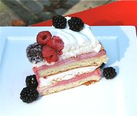Blackberry Meringue Ice Cream Cake - Crocante de Moras