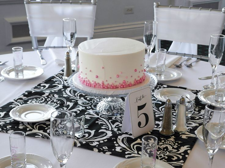 White Pink Black Wedding Table Set And Cake With Decorative