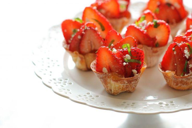 Recipe: Strawberry Wonton Cups