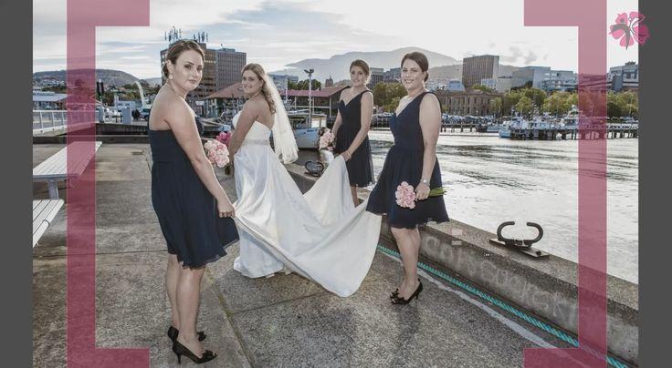"""http://happybrideschool.com/course/dress_wed/wed_dress.htm  Нажмите на ссылку, чтобы скачайте бесплатно книгу """"Выбираем идеальное свадебное платье""""."""