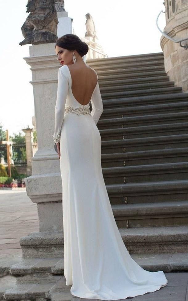 Свадебные платья с открытой спиной и шлейфом - http://1svadebnoeplate.ru/svadebnye-platja-s-otkrytoj-spinoj-i-shlejfom-3090/ #свадьба #платье #свадебноеплатье #торжество #невеста