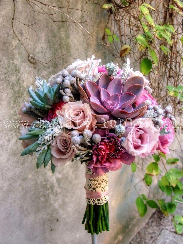 Wiązanka ślubna w odcieniach fioletu