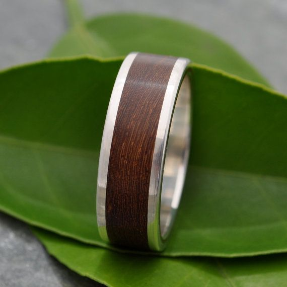 Lados Nacascolo Wood Ring - recycled sterling silver and sustainable wood wedding band