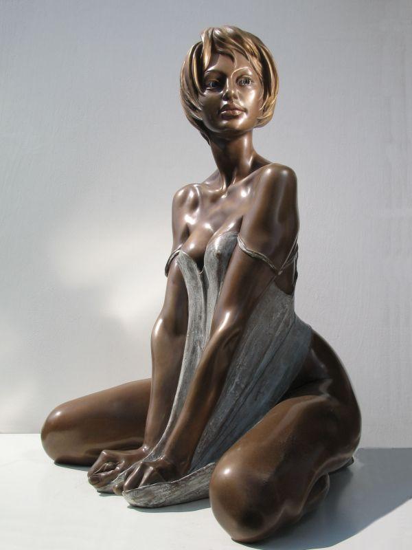 5 foot nude women statues