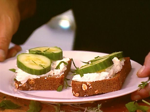 Herbed Goat Cheese Sandwiches. Perfect for a picnic!