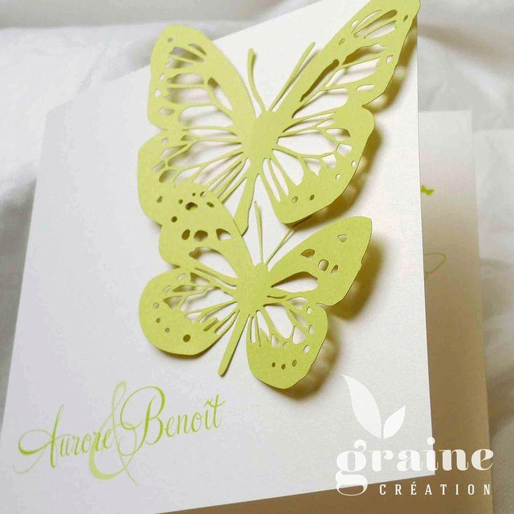 faire-part papillon. Papillons en découpes, ici aux couleurs blanc et vert anis au format carré.