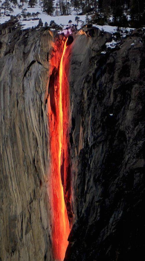 """Водопад """"Лошадиный хвост"""" (Horsetail Fall), Национальный парк Йосемити (Yosemite National Park), Калифорния, США"""