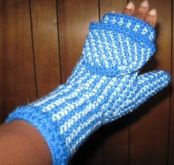 Convertible mitten- **INSTRUCTIONS ADDED** « on: November 11, 2007 10:13:50 AM » I picked up the Fall 2007 Vogue Knitting and saw a...