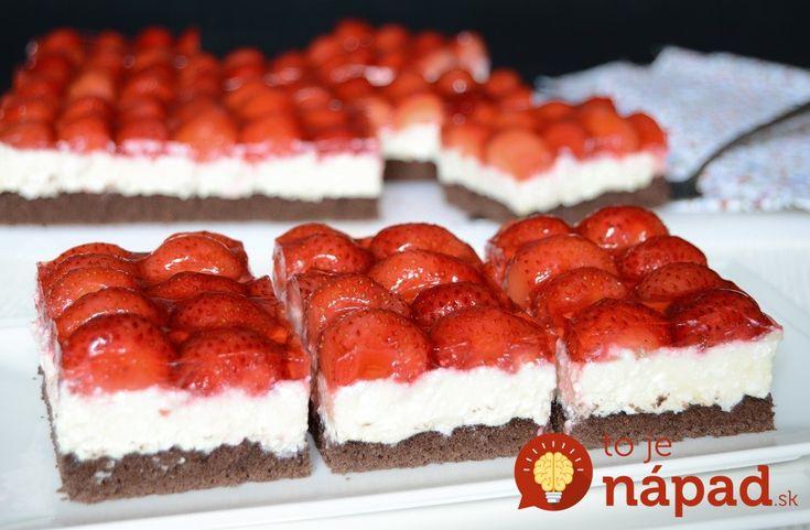 Tento koláčik je skutočným sladkým pokušením a môže za to úžasne chutná kombinácia tvarohového krému, kakaového cesta a jahôd. Vyskúšajte túto dobrotu aj vy!