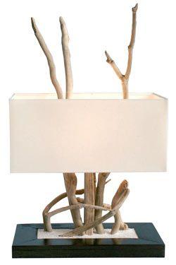 lampe de table de couleur beige et bois et le style est nature par l'atelier du bois flotte référence 11010037