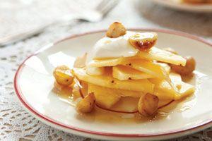 Verse ananas met ahornsiroop en crème fraîche - foodies
