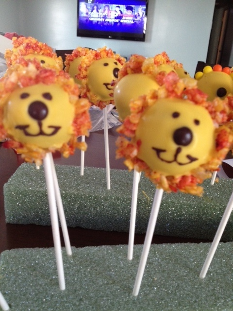 lion cake pops...saw these online, but changed the mane from coconut to rice crispies..way better!!!