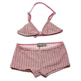Bikini with a top with adjustable straps, overall print in pink and black.