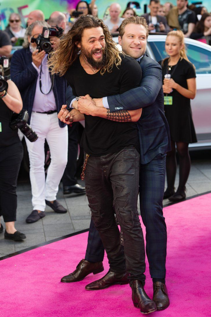20+ Jason Momoa Sneaks Up On Henry Cavill Images
