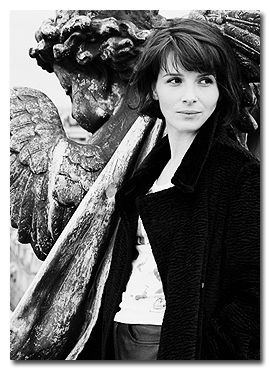 ♥.. Juliette Binoche, always amazing.  I wish I could do this haircut.