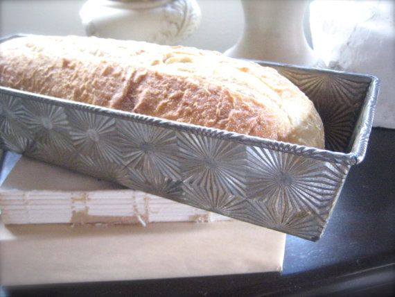 Tin  French Bread Pan in collectible Starburst pattern. Excellent condition and ready to use! Extra long pan. Only $12