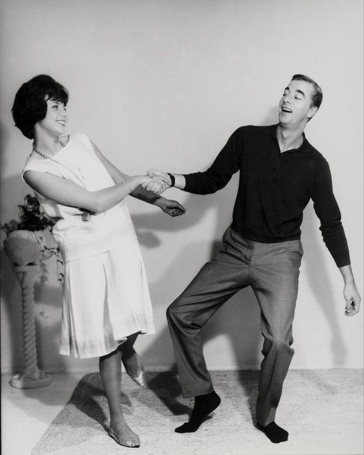 how to lead swing dance