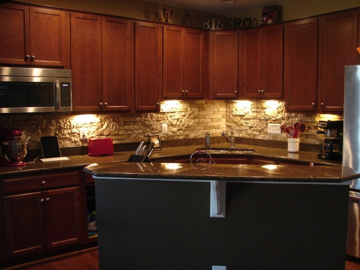 Diy stone backsplash 50 for 8 square feet of airstone for Lowes backsplash