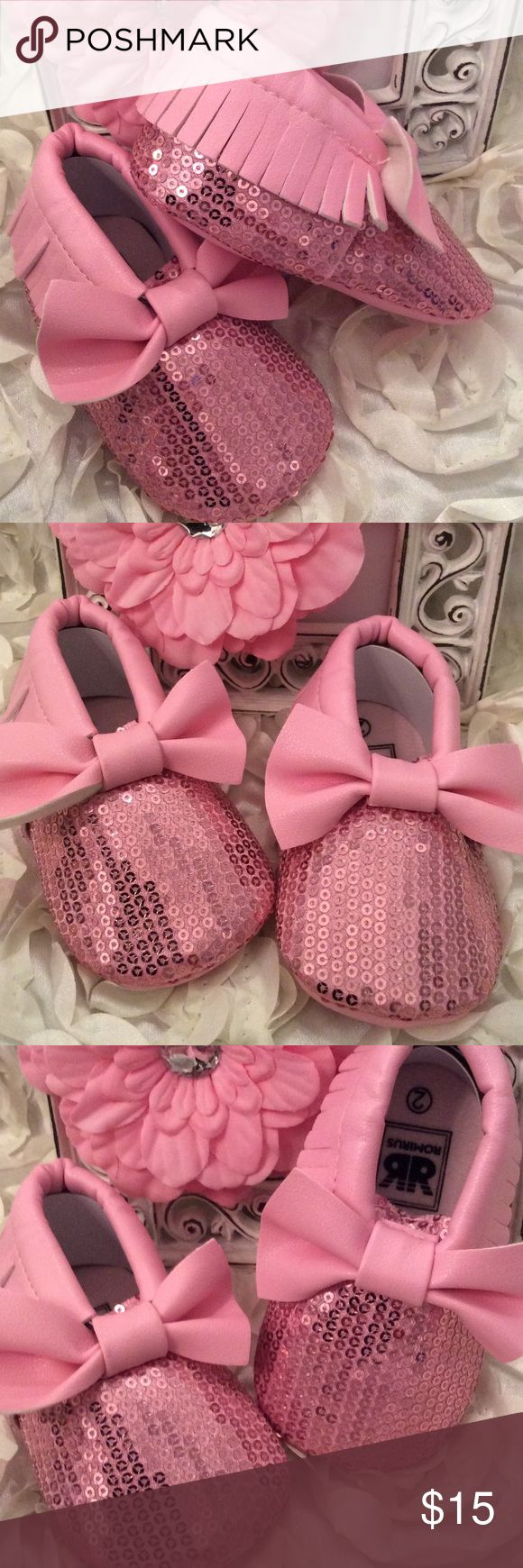 Boutique Baby Girl Sequin Moccasin Bow Crib Shoes Pink sequin shoe with pink fringe to edges and bow on top. Very girly girl and Glitzy!!! Shoes Baby & Walker