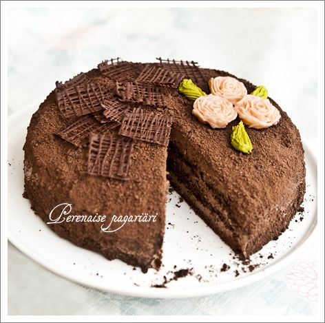 Trühvlitort. Truffle cake. By Eva @ Perenaine