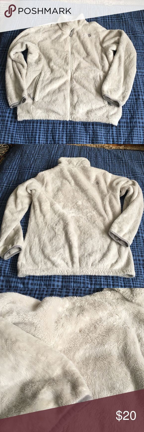 White north face jacket It needs a good cleaning there's some spots. Xl girls 18 or fits women's s-m North Face Jackets & Coats