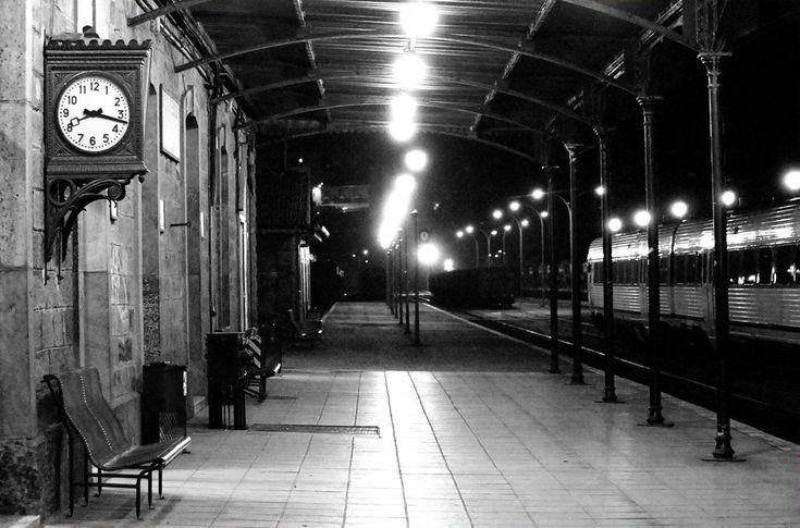 Fragile Butterfly.: Recuerdos en una estación de tren.