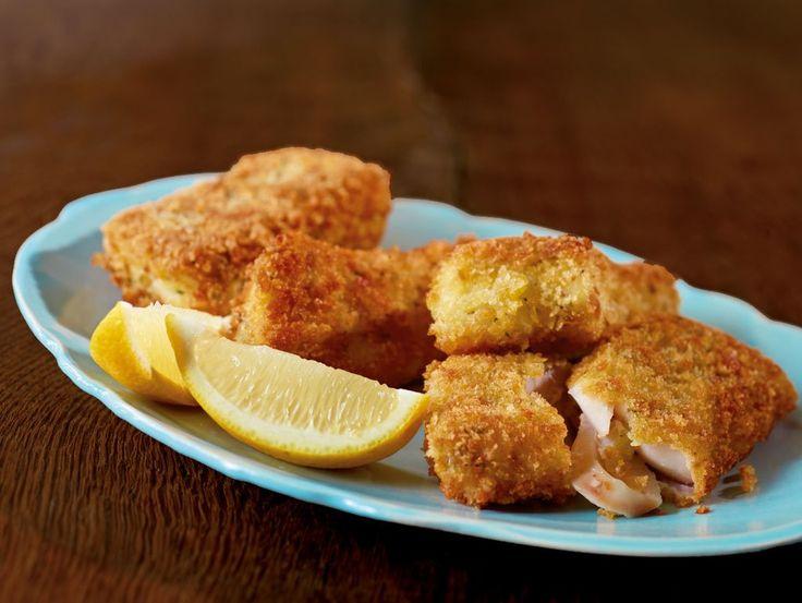 Rezept für Fisch im Knuspermantel bei Essen und Trinken. Ein Rezept für 2 Personen. Und weitere Rezepte in den Kategorien Eier, Fisch, Getreide, Kräuter, Milch   Milchprodukte, Hauptspeise, Braten, Frittieren, Einfach, Schnell.