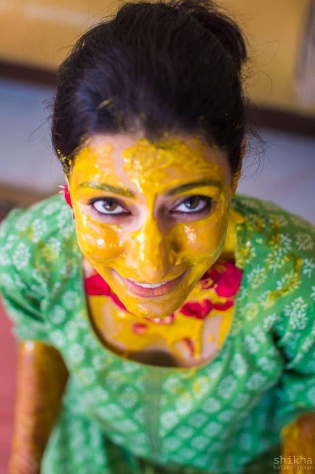 😋 Photo by Shikha Balakrishnan Photography, Chennai #weddingnet #wedding #india #indian #indianwedding #realwedding #ceremony #bride #hindu #photographer #photography #inspiration #gorgeous #fabulous #beautiful #magnificient #love #traditions #ritual #mehendi #rice #chudiyan