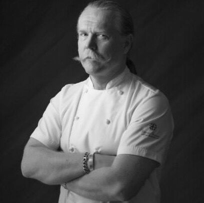 Martin Blunos (b 1960) British chef of Latvian descent; has been awarded an aggregate of five Michelin stars at his restaurants. blunos.com