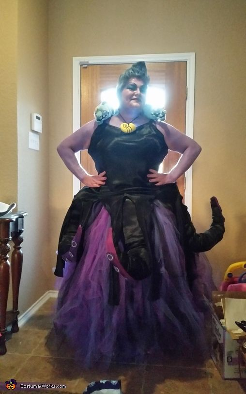 146 best ursula costume images on pinterest halloween decorating those poor unfortunate souls not ready for halloween ursula costume solutioingenieria Image collections