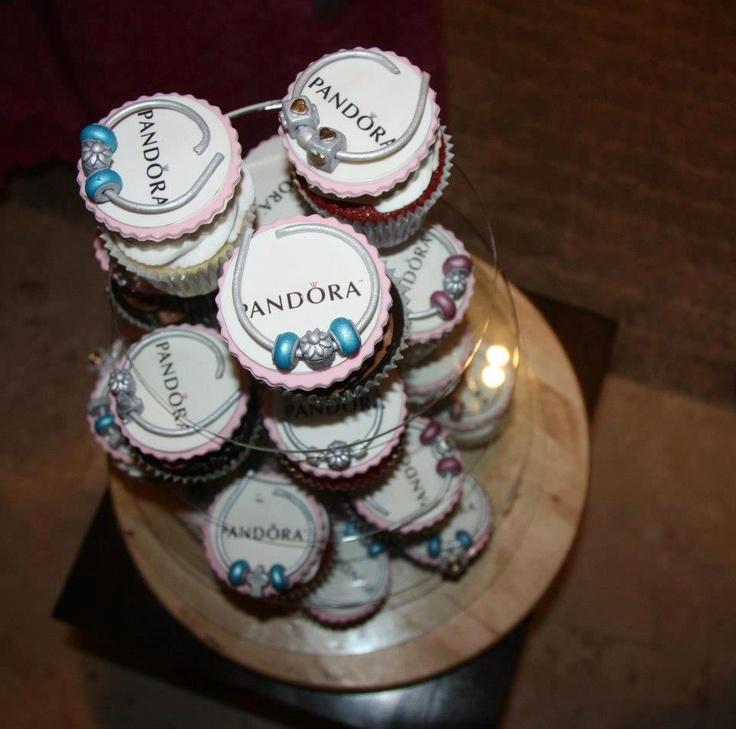 pandora cupcakes! pan-cakes? cup-doras? :)