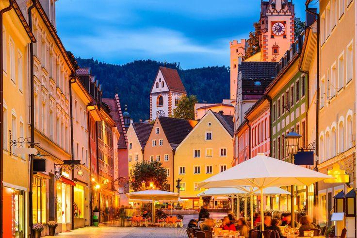 #Füssen im #Königwinkel ist ein Kur und Urlaubsort in einer der schönsten Urlaubsregionen des Alpenraums mit einem attraktiven Kulturprogramm.  http://www.alpenstuben.de/de/home.html