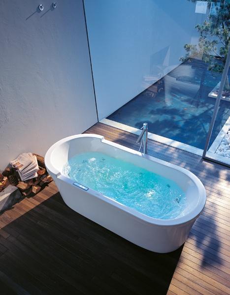 Oval, freestanding Starck bathtub with  whirlsystem #duravit
