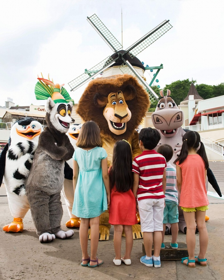 "에버랜드 마다가스카 라이브 (Dreamworks' Madagascar has arrived in Everland! Recreated as an exciting, fun musical called ""Madagascar Live: Let's enjoy the circus!"")"