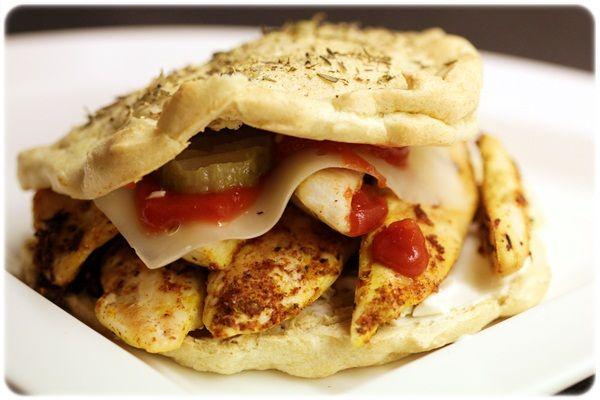 Hjemmelaget kyllingburger burger bun