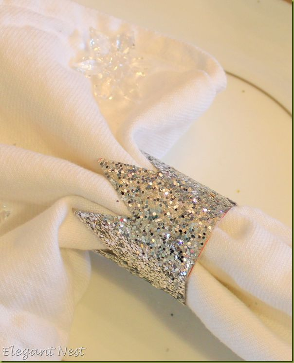 love these cute little glitter crowns! adorable as napkin holders and as place card holders. :)