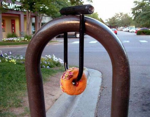 l: Laughing, Bicycles, Random Funny Pictures, Offices, Locks, Donuts, Humor, Accessories, Photo