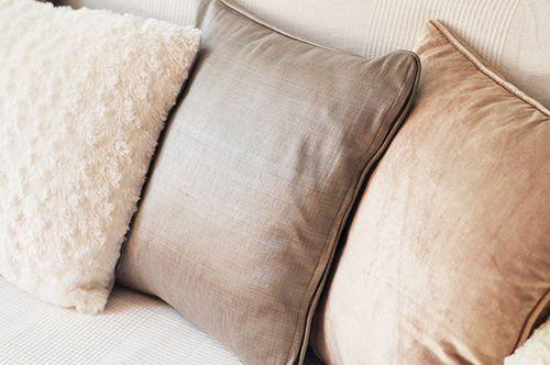 decor, pillow, and interior-bilde
