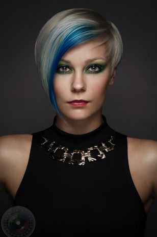 Playful colors for your short haircut - Hairstyle Center!